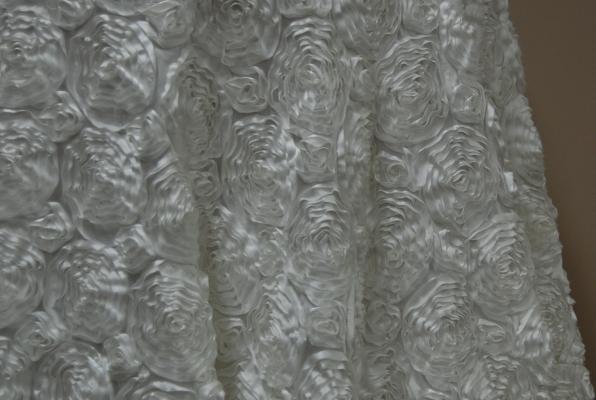 01-white-rosette