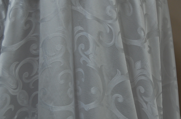 04-white-royal-damask