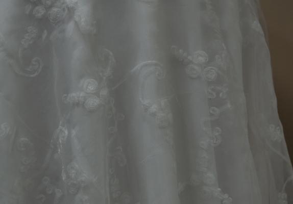 11-white-ribon-organza