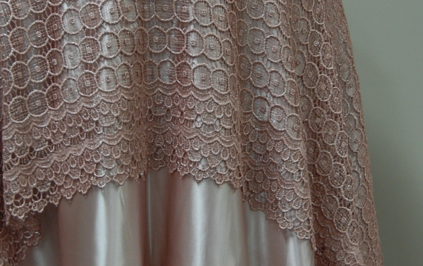 07-blush-vintage-circle-lace