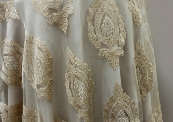 03-oyster-royal-borcade-lace