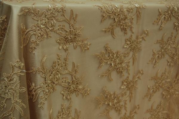 06-gold-vintage-floral-lace