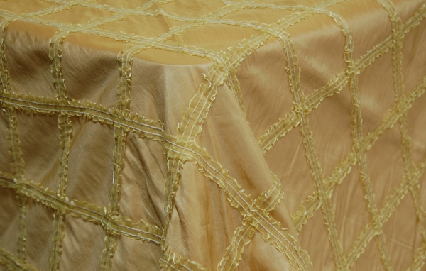 14-sun-gold-taffeta-diamond